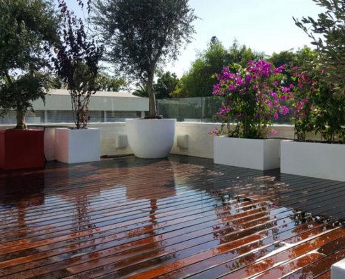עיצוב גינות גג עם מרפסות ופרקט