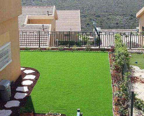 דשא סינטטי במדורגים